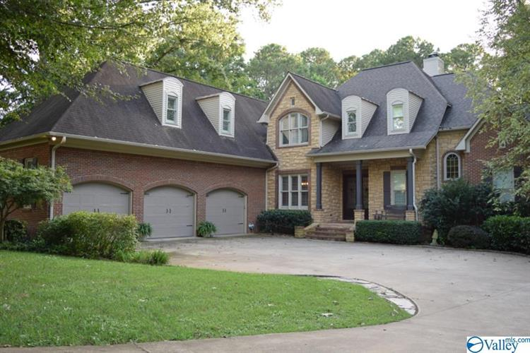1827 RIVERVIEW CIRCLE, Scottsboro, AL 35769 - Image 1