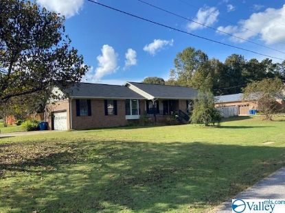106 Cambridge Lane  Rainbow City, AL MLS# 1155766