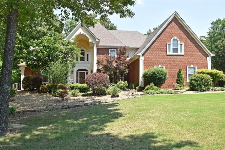 8072 Lakeview Drive, Olive Branch, MS 38654