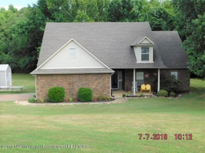 2110 King Road, Southaven, MS 38672