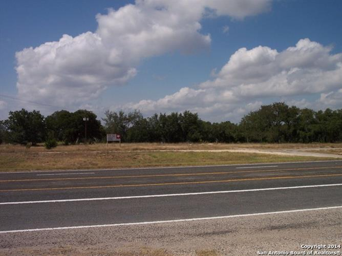 5.4 S Hwy 16 X Cypress park lane, Pipe Creek, TX 78063