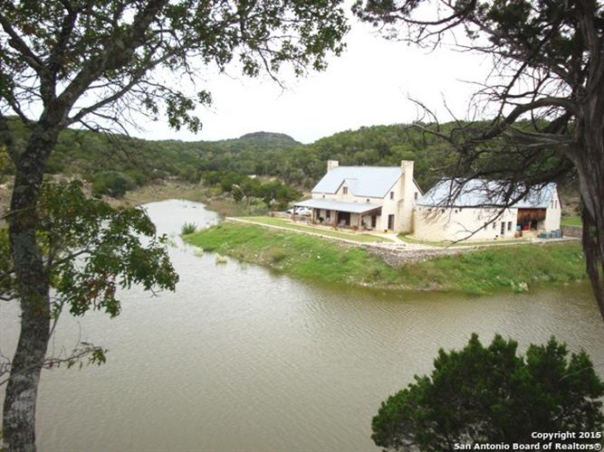 3777 Middle Creek Rd, Blanco, TX 78606