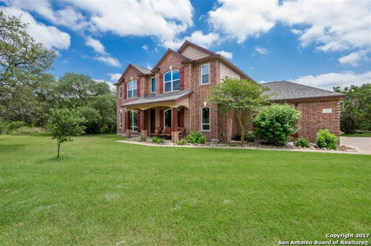 577 River Chase Dr, New Braunfels, TX 78132