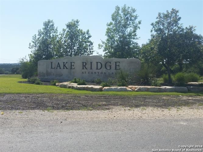 1584 LAKE RIDGE BLVD, Canyon Lake, TX 78133