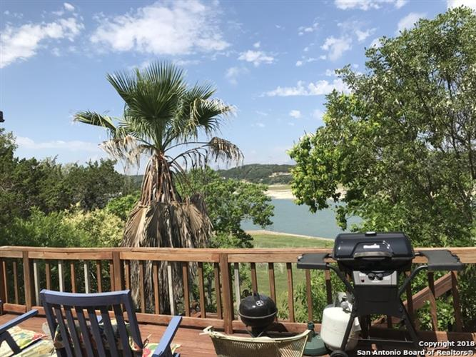 442 Pebble Beach Dr NW, Lakehills, TX 78063