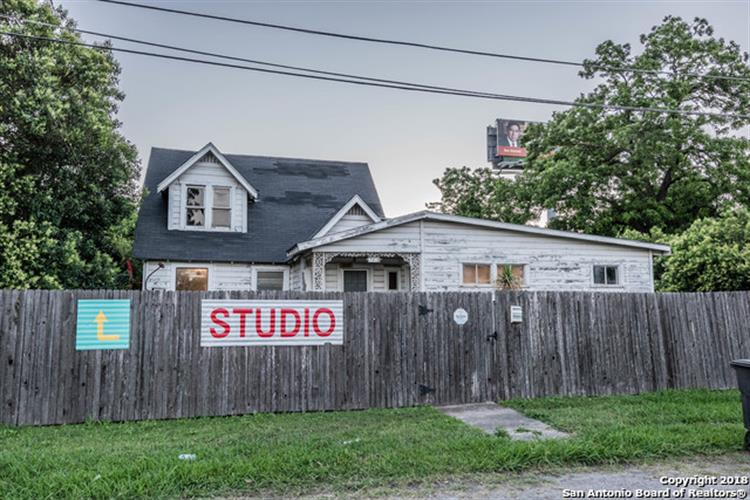121 PIERCE AVE, San Antonio, TX 78208 - Image 1
