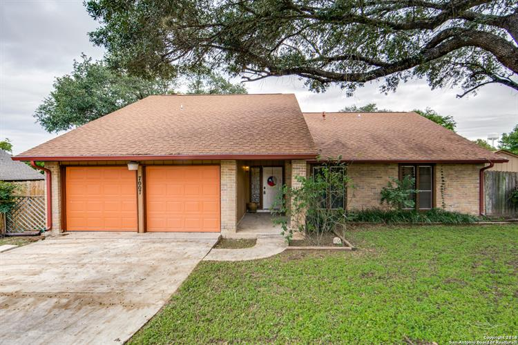 7007 Weathered Post St, Leon Valley, TX 78238