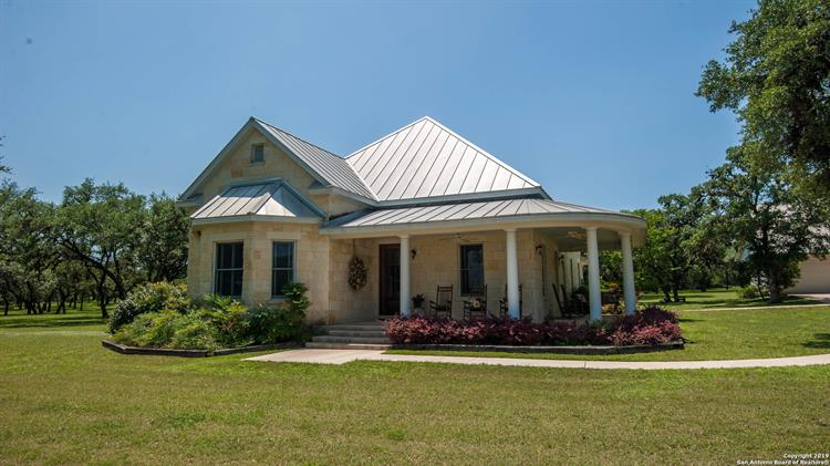 3151 County Road 111, Utopia, TX 78884 - Image 1