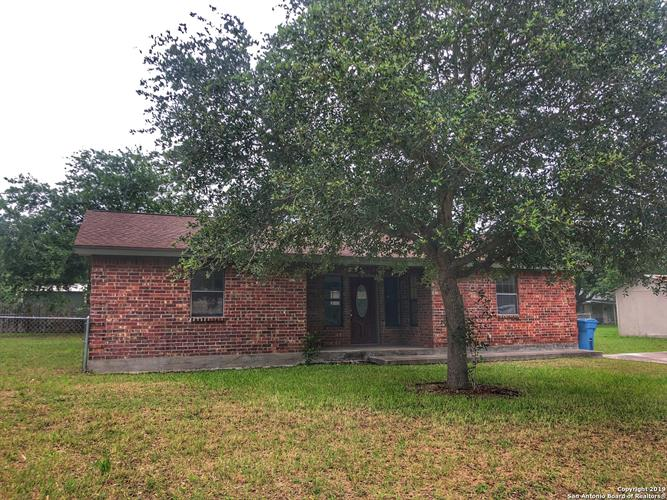 1208 Terry St, George West, TX 78022 - Image 1