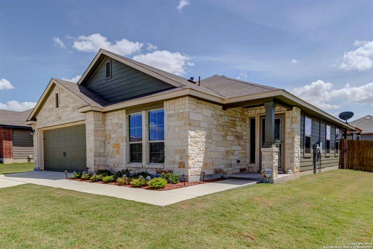 2566 Lonesome Creek Trail, New Braunfels, TX 78130 - Image 1