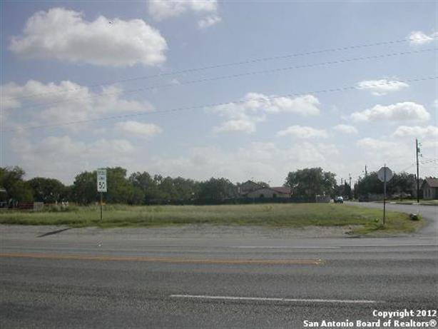 509 S STORTS, Poth, TX 78147