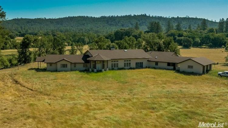11590 Lazy Valley Rd, Penn Valley, CA 95946