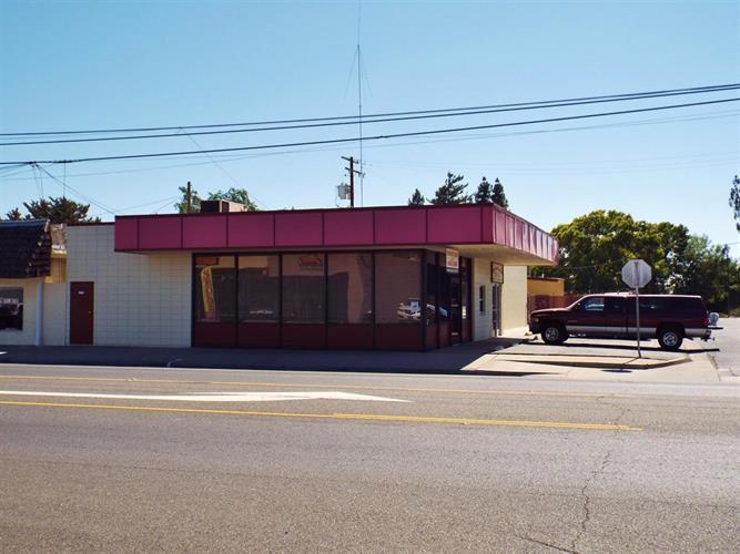 8322 Lander Avenue, Hilmar, CA 95324
