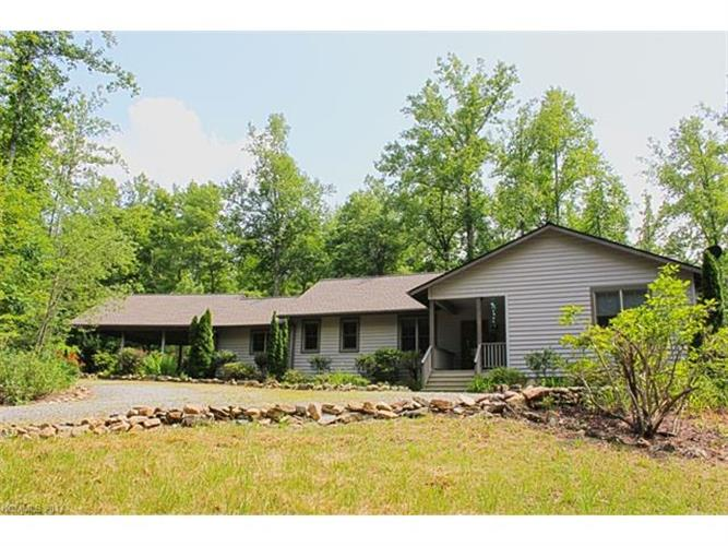 765 Higher Path, Saluda, NC 28773