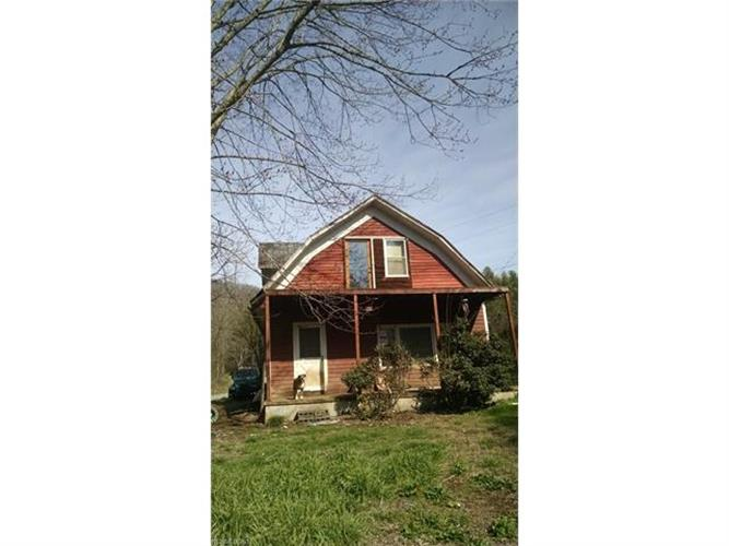 230 Fox Grape Hollow Road, Mars Hill, NC 28754