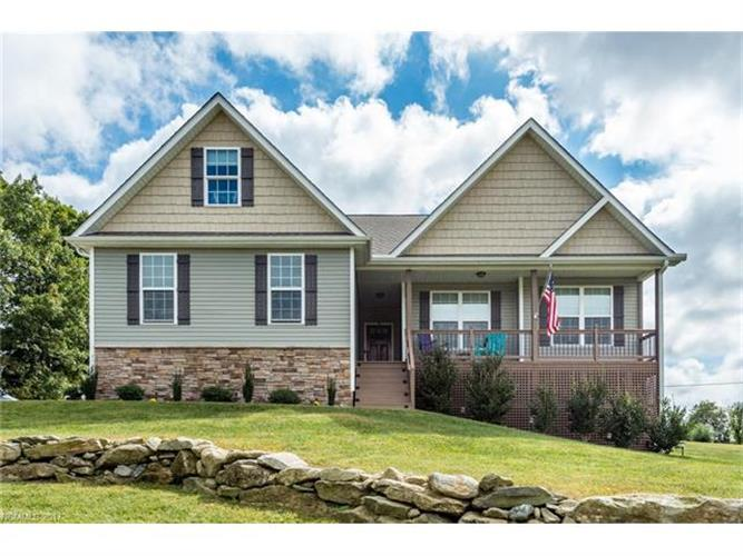 132 Beck Creek Circle, Flat Rock, NC 28731