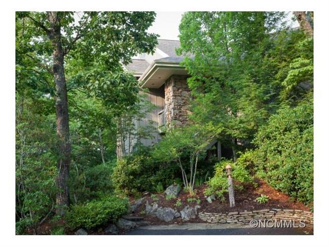115 Stoney Falls Loop, D1, Burnsville, NC 28714