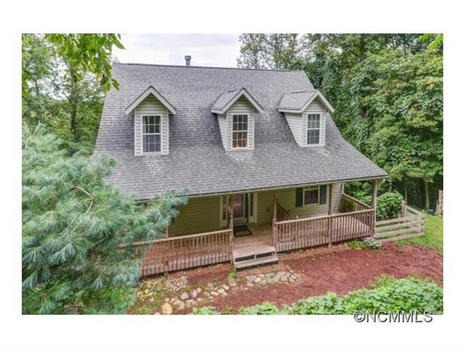814 Elk Mountain Scenic Highway, Asheville, NC 28804