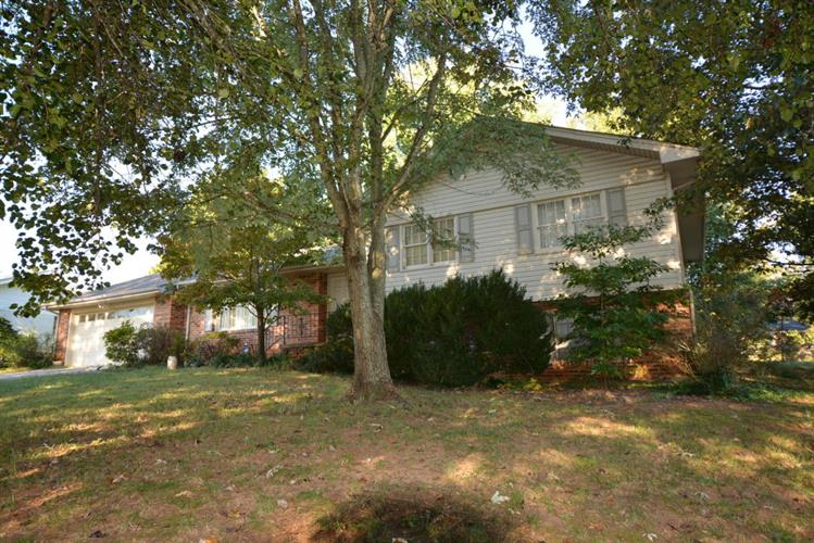 1723 Clayton Dr, Chattanooga, TN 37421