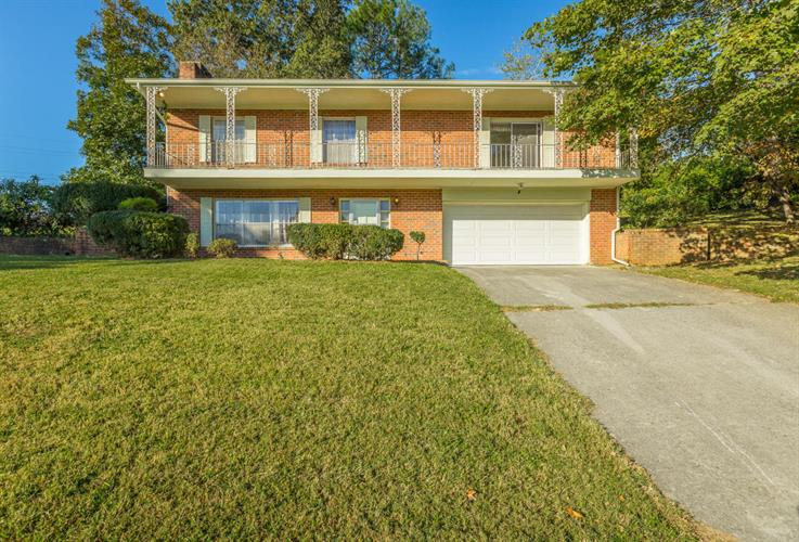 3900 Kemp Cir, Chattanooga, TN 37411