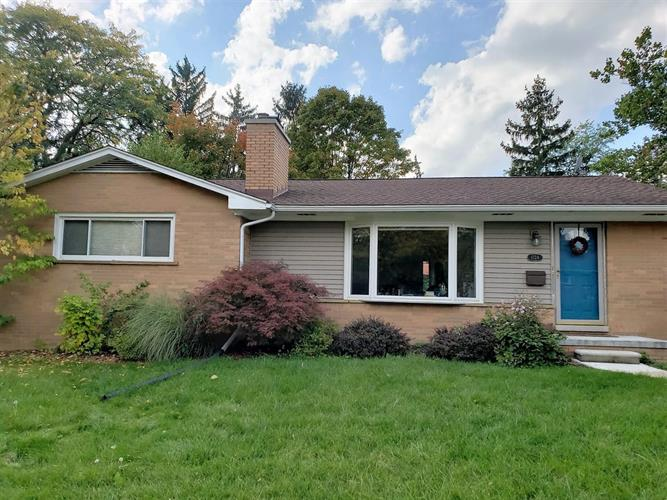 1724 Barrington Place, Ann Arbor, MI 48103