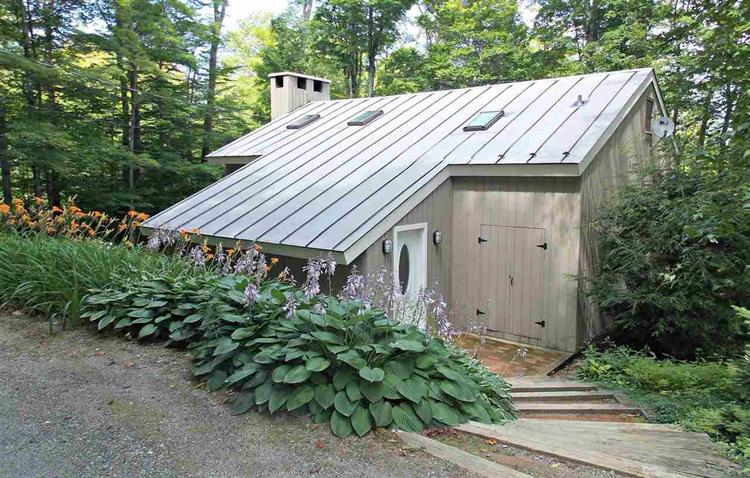 6 Roundtree Rd, Winhall, VT 05340