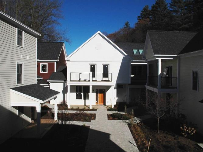 288 South Main Street, Stowe, VT 05672