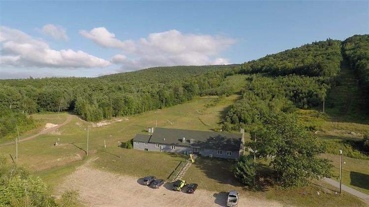107 Moose Mountain Rd, Brookfield, NH 03872