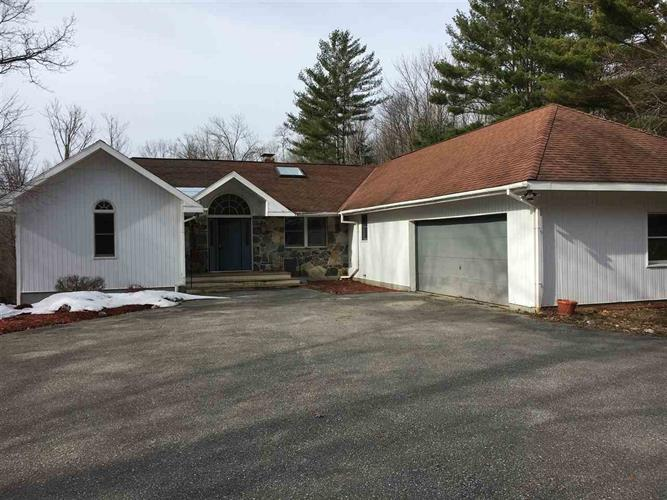 685 Apple Hill Road, Bennington, VT 05201