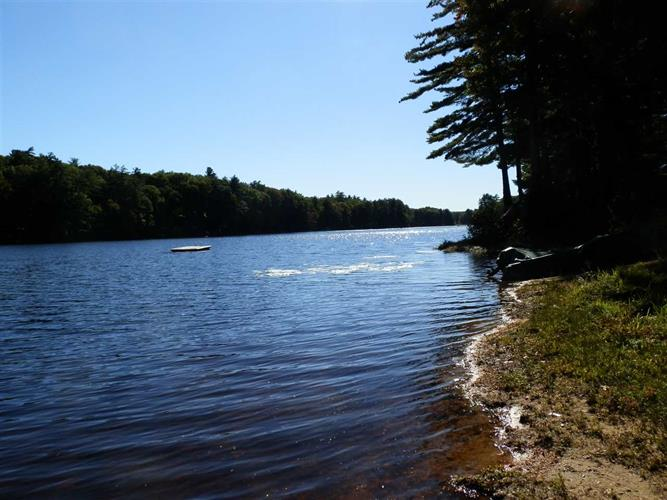 527 Long Shores Drive, Barrington, NH 03825