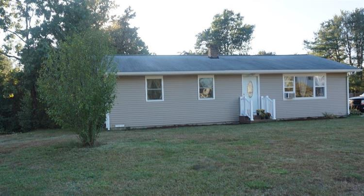 814 Goffstown Road, Manchester, NH 03102