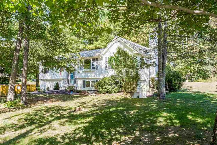 8 Island Pond Road, Hampstead, NH 03841