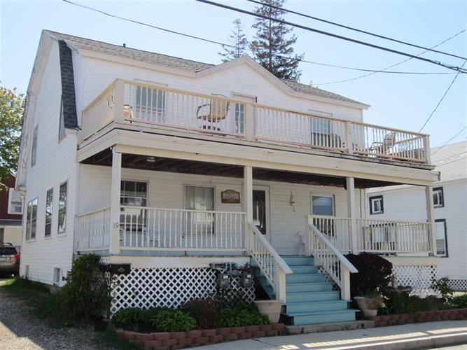19 Highland Avenue, Hampton, NH 03842