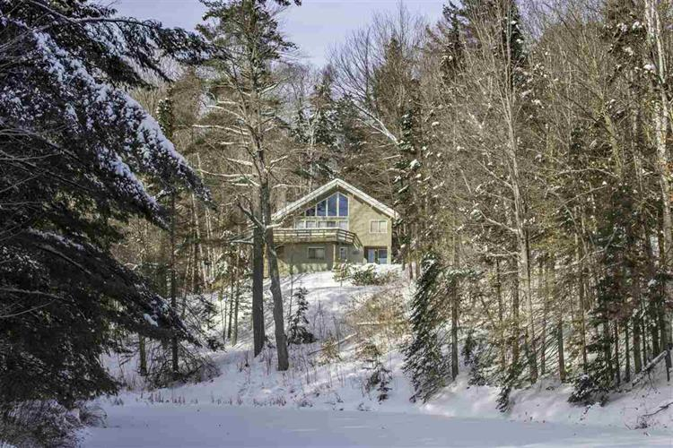 329 Howard Hill Road, Londonderry, VT 05148
