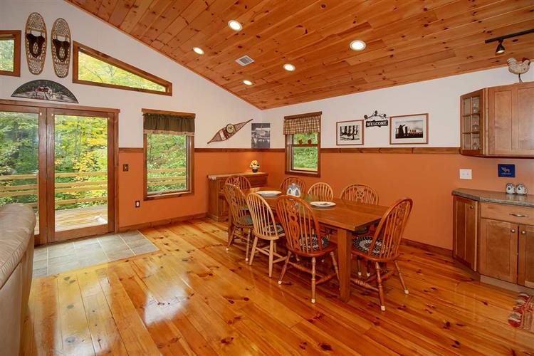 18 Gaye Lane, West Dover, VT 05356 - Image 1