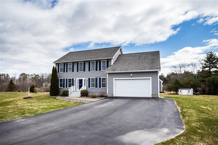 17 Winslow Drive, Somersworth, NH 03878