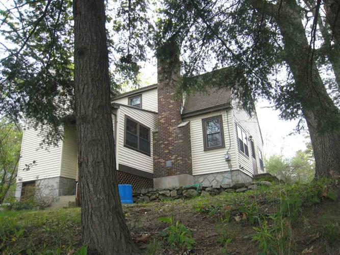 752 Mammoth Road, Manchester, NH 03104