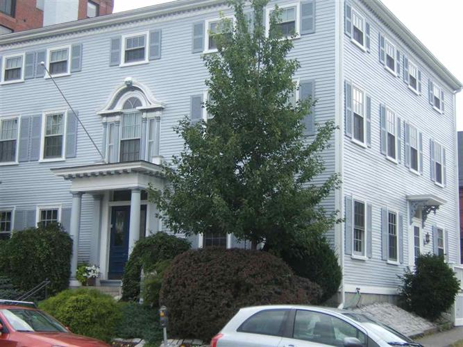 379 State Street, Portsmouth, NH 03801