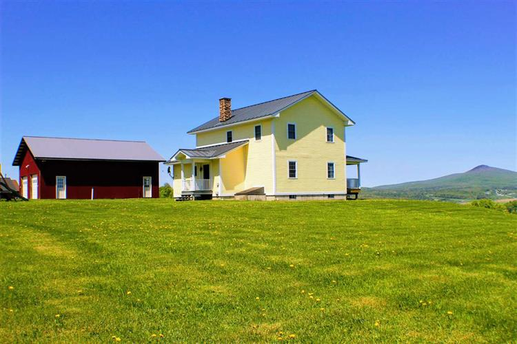 70 Frost Ridge Road, Richford, VT 05476