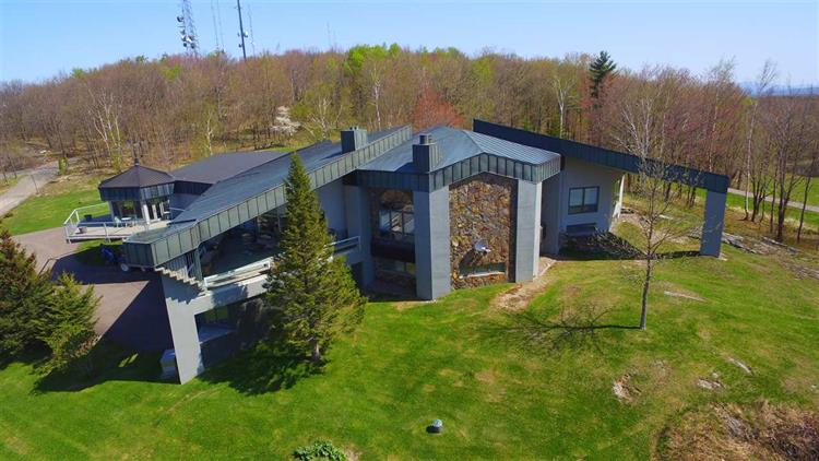 1 Valley Watch Road, St Albans, VT 05478