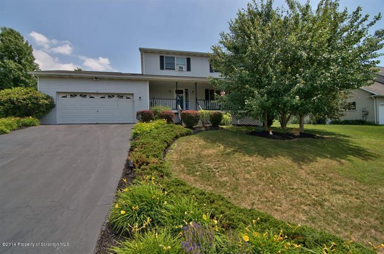 104 Jennifer Dr, Clarks Summit, PA 18411