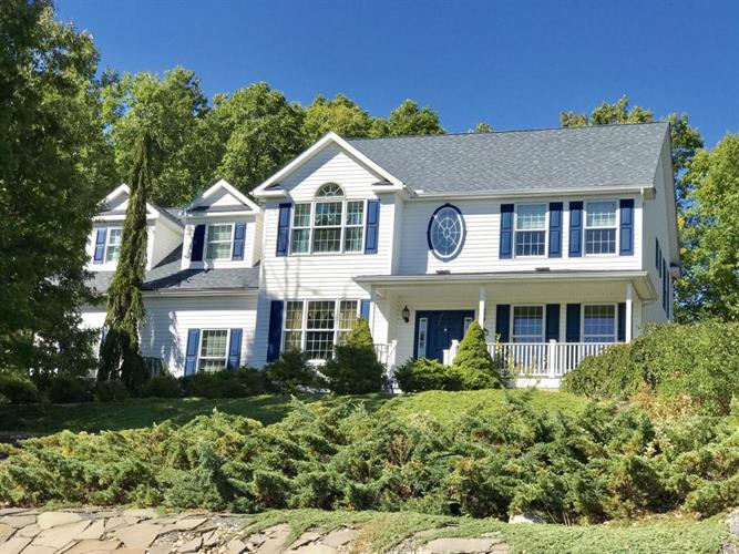 132 Hyland Hill Dr., Archbald, PA 18403