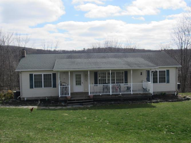 12039 Rose Dr, Clarks Summit, PA 18411