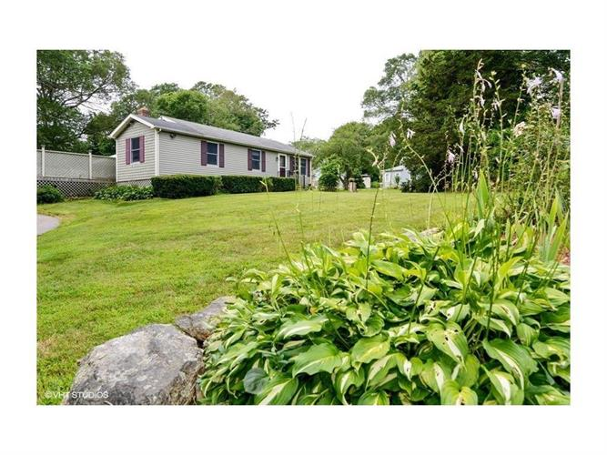 194 ALLEN AV, South Kingstown, RI 02879