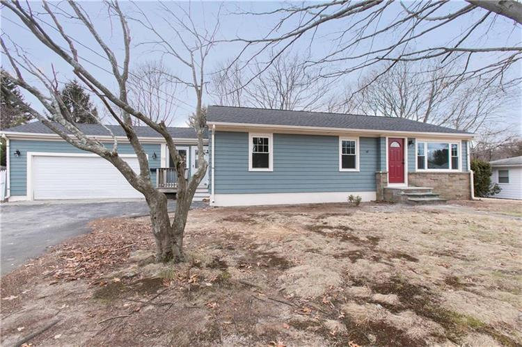 10 Mulberry CIR, Johnston, RI 02919