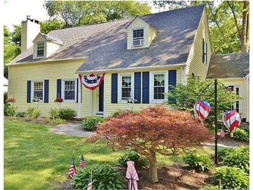 7 Surrey RD, Barrington, RI 02806