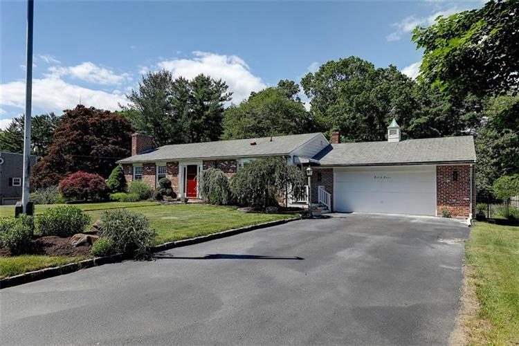 54 Oakdale RD, North Kingstown, RI 02852