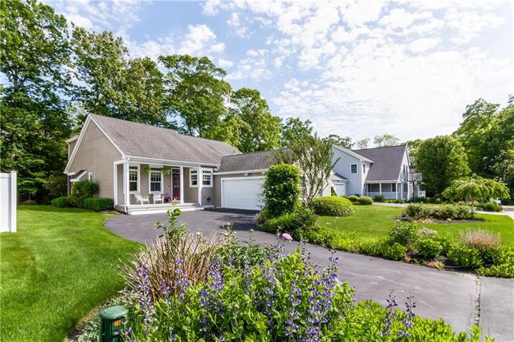 12 Jessica LANE, South Kingstown, RI 02879