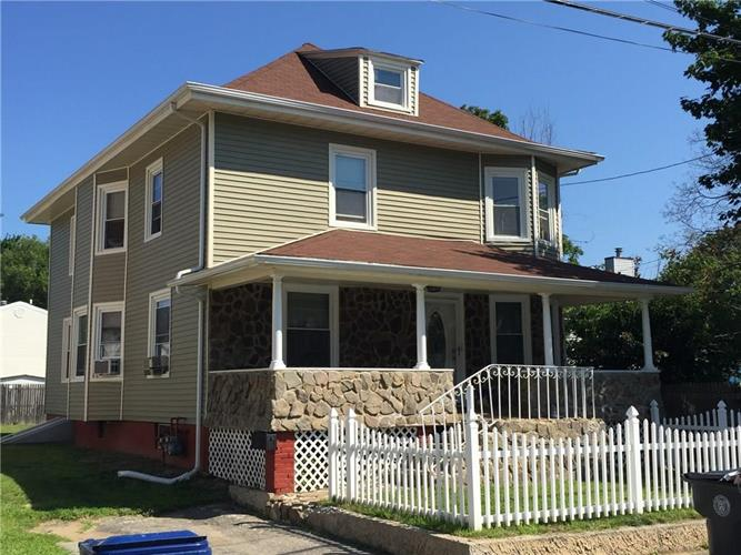 37 Royal AV, Unit#1, Warwick, RI 02889