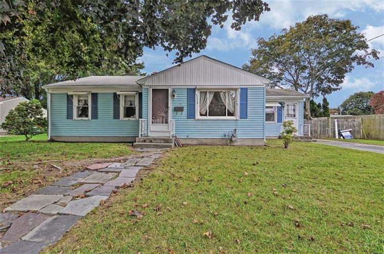 15 Connors LANE, East Providence, RI 02915